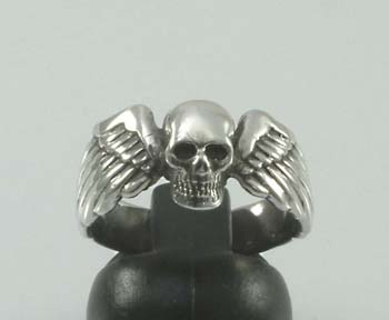 Small winged skull ring