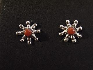 ○型ピアス-赤珊瑚