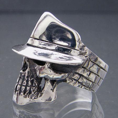 Hat Skull Ring
