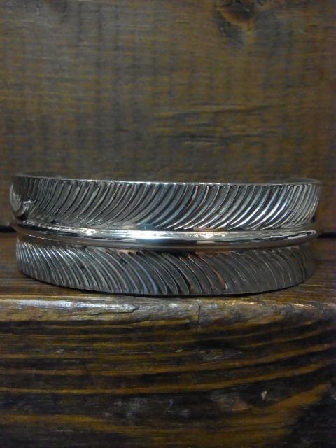 SOLD!! VIVIAN JONES 2cm幅フェザーバングル 6インチ